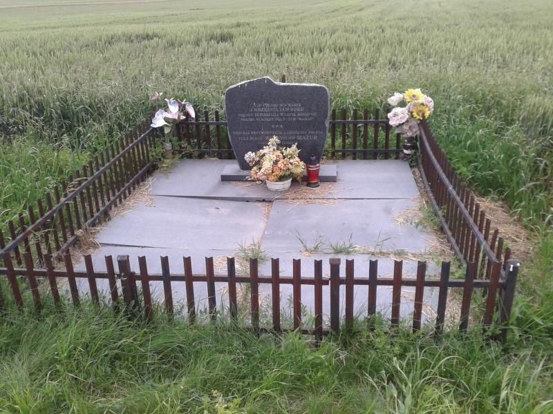 pomnik_karsy