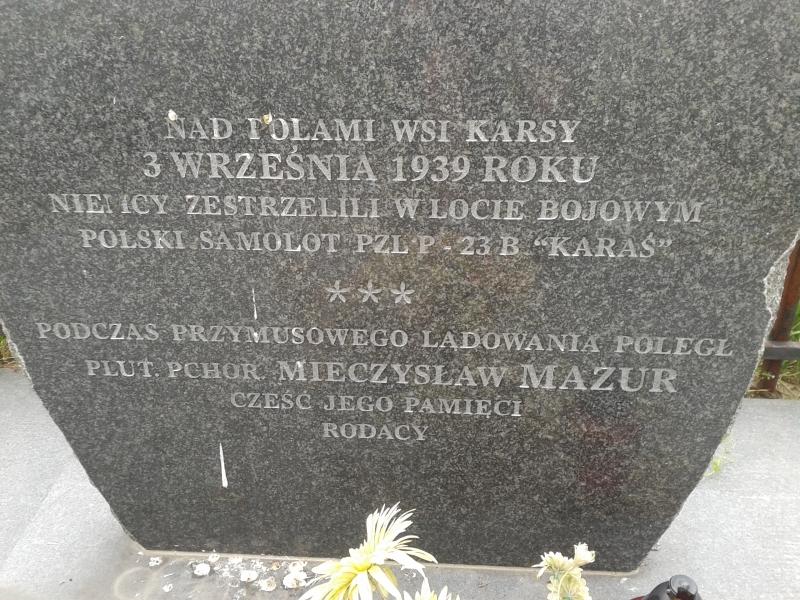 pomnik_karsy_zblizenie