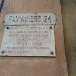 Tablica na budynku przy ul. Fabianiego 24 w Radomsku