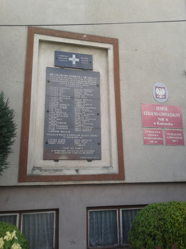 tablica_mieszkancy_stobiecka_szkola