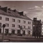Pocztówka z 1965 r. – Plac 3 Maja i Stylowa