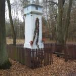 Murowana kapliczka słupowa w Podcerkawiźnie