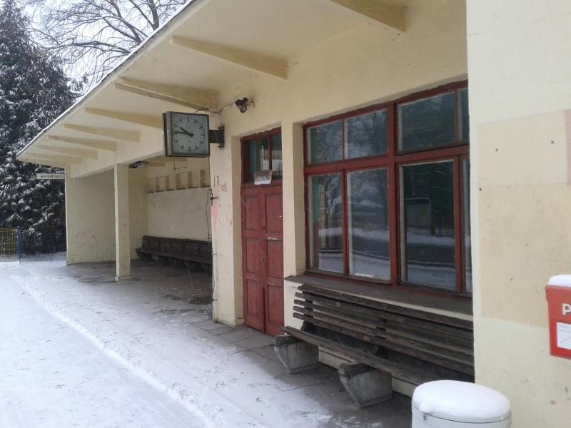 stacja_kolejowa_gomunice_styczen_2016_3