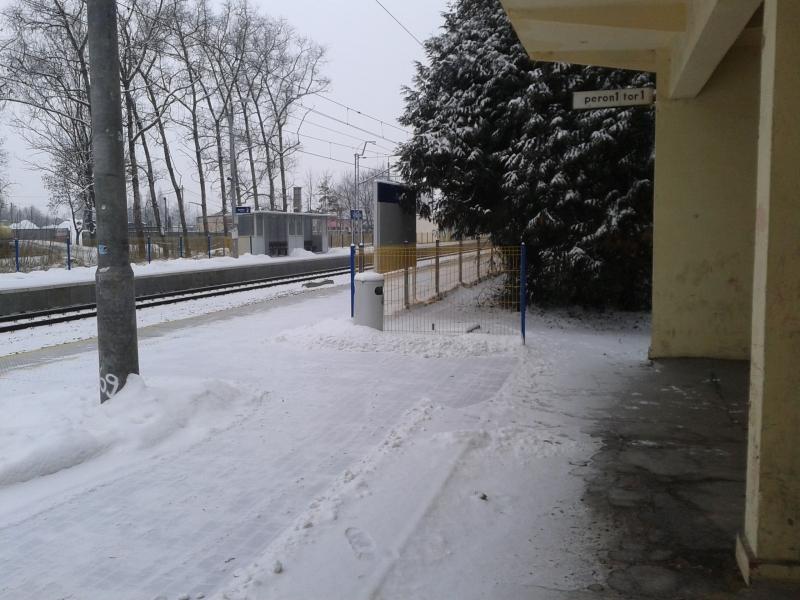 stacja_kolejowa_gomunice_styczen_2016_6