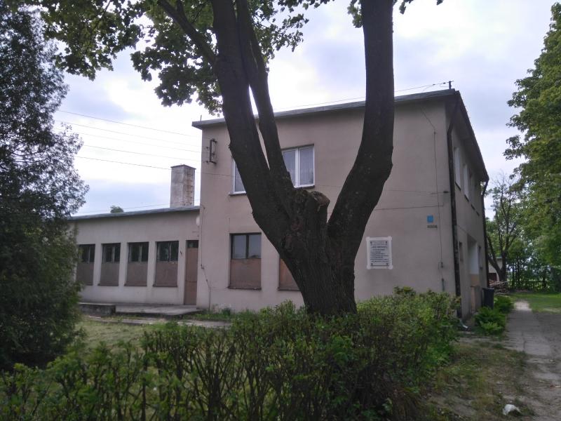 mysliwczow_budynek_szkoly_3