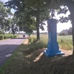 Kapliczka przy wjeździe do Kobiel Wielkich (fundacja Leona Śliwińskiego)