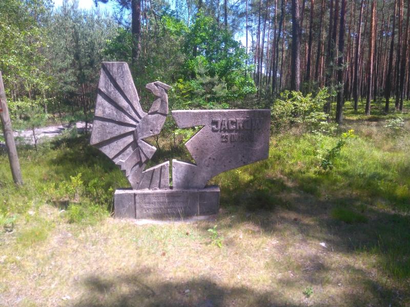 jackow_pomnik_1