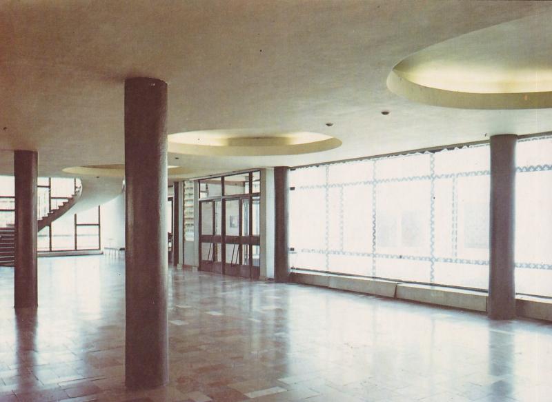 hall_glowny_domu_kultury_album_radomsko_1989