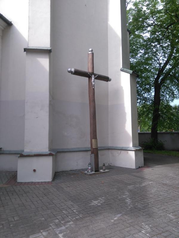 krzyz_powstanczy_klasztor_1