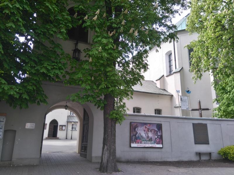 krzyz_powstanczy_klasztor_3