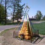 Kapliczka postawiona z okazji 1000-lecia chrztu Polski (Magdalenki k. Żytna)