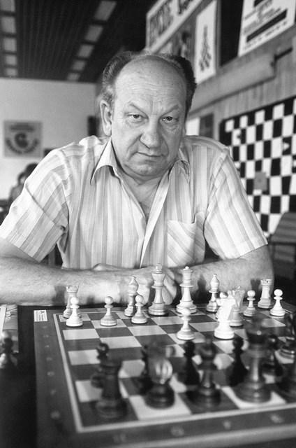 stefan_brzozka_szachista