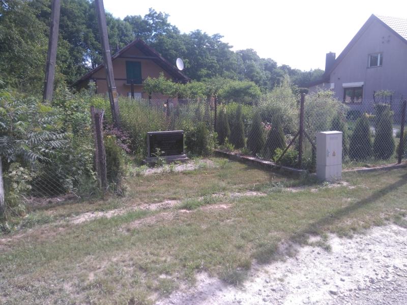 plewinscy_pomnik_lesnictwo_strzalkow_1