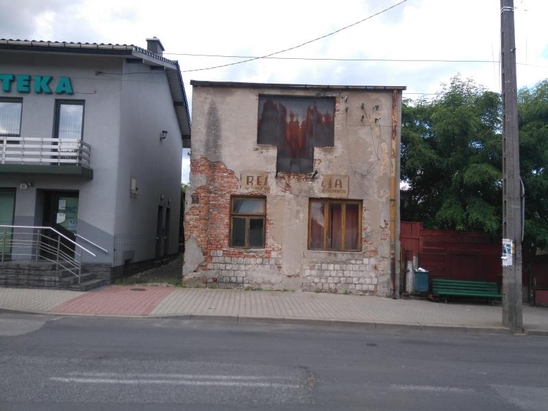 stara_elewacja_na_budynku_w_kamiensku_2