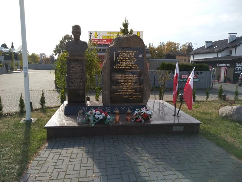 pomnik_warszyc_czestochowa_1