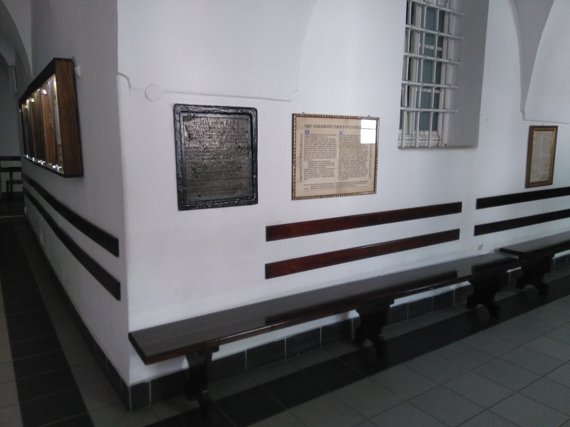 marmurowa_tablica_klasztor_franciszkanow_radomsko_1