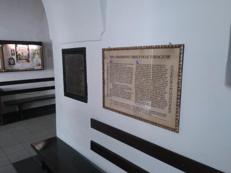 marmurowa_tablica_klasztor_franciszkanow_radomsko_3