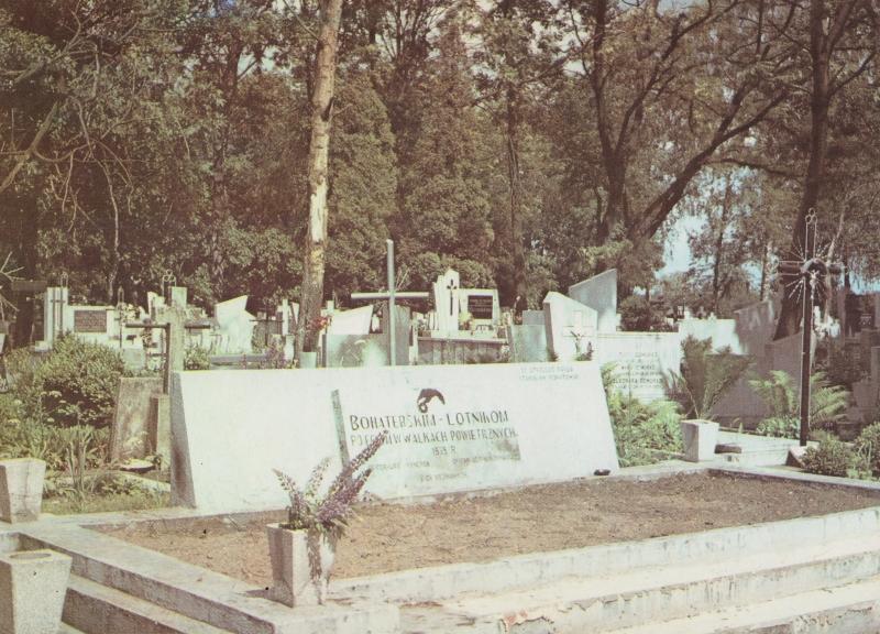 bohaterskim_lotnikom_album_radomsko_1989