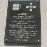 Tablica poświęcona Henrykowi Piaseckiemu na ścianie kościoła w Kodrębie
