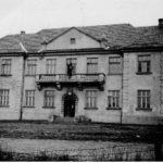 [stare zdjęcie] Budynek szkoły rolniczej w Dobryszycach