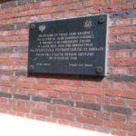 Tablica poświęcona żołnierzom 27 pułku AK na ścianie kościoła w Żytnie