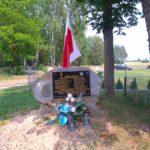 Pomnik ku pamięci mieszkańców Kuźnicy (i okolicy), którzy zginęli z rąk hitlerowców