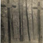 Stare zdjęcie z dwoma krzyżami powstańców styczniowych