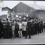 [stare zdjęcie] Pochód pierwszomajowy w Żytnie w latach 70.