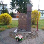 Gidle. Pomnik upamiętniający 70 rocznicę odzyskania niepodległości przez Polskę