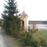 Murowana kapliczka w Karkoszkach